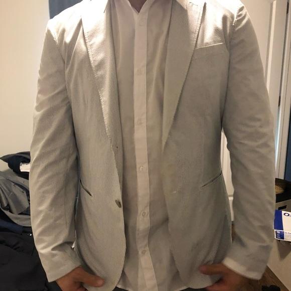 Uniqlo Other - Men's grey and white searsucker blazer